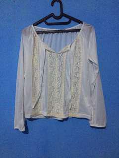 SERBA 30rb Cute White Blouse