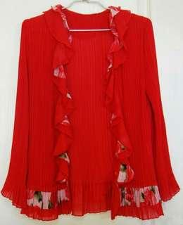 三宅一生風皺褶款~紅色~荷葉邊飾~小喇叭長袖外套/罩衫(胸33~38吋/不限