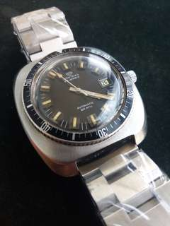 Vintage Conteas Jumbo-Size Automatic Skin Divers Watch