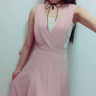 🚚 豆沙連身裙(不含其它配件)