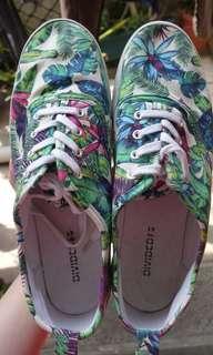 Sneakers Motif Bunga