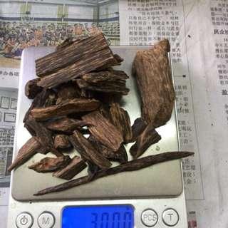 agarwood incense。沉水沉水。越南料味道好。30克