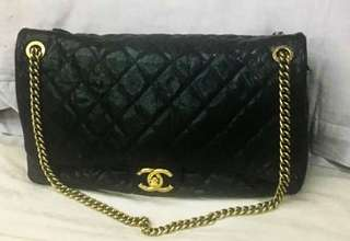 Chanel oversize 46 cm easy flap black caviar ghw #16 with holo, card, db, booklet