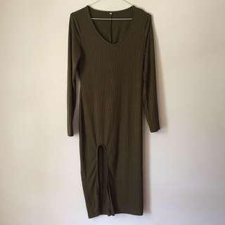 Army green ribbed dress with slit