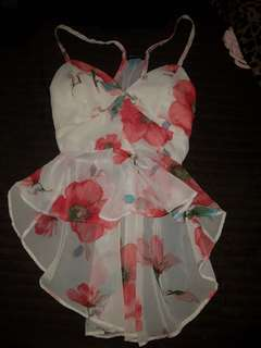 Floral summer top size small