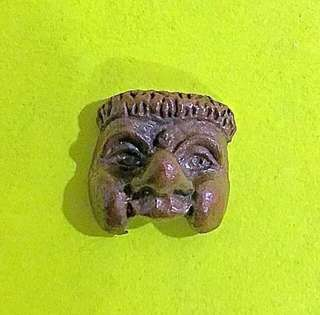 🚚 Pt Saeng Phan Boon Hunter Mask Amulet (popularity, charming, wealth)