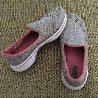 Sepatu Casual Anak