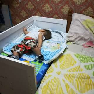 Baby bedside bed extend