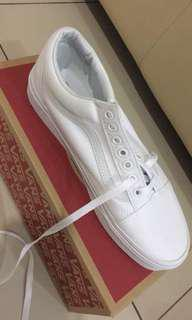 Vans pure white