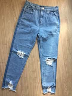Factorie mom jeans ( ripped )