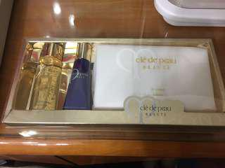 Cle De Peau Travel Set