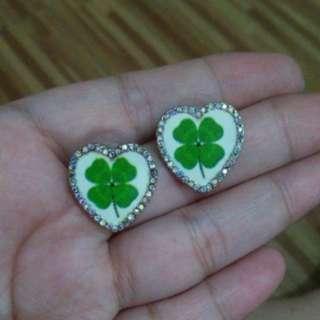 Cute clover Swarovski earrings