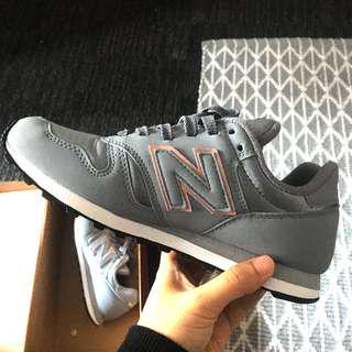 New Balance 373 Shoes (Grey + Rose Gold lining)