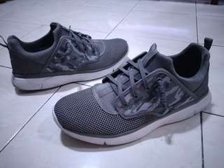 World Balance Camouflage Shoes 9/9.5 fit