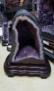 36kg NEW AMETHYST CAVE  新的紫水晶山