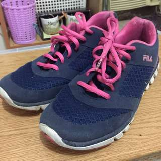 AUTHENTIC FILA RUNNING SHOES