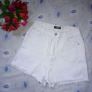 White Highwaisted Short
