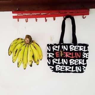 Tas tenteng totebag tote bag Berlin