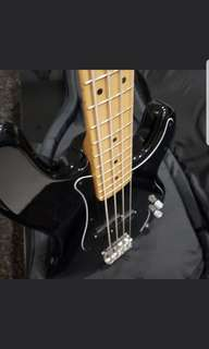 Fender Pbass Am special