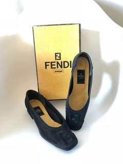 💯真品 很新 Auth Fendi fabric shoes 經典黑色布料透氣舒適粗跟鞋 36.5碼