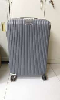 4 wheels luggage size H 26inch w 16inch has been repaired before