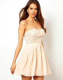 Elise Ryan 3D Flower Bandeau Prom Dress