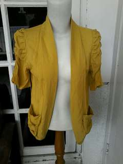 Outer yellow ladies