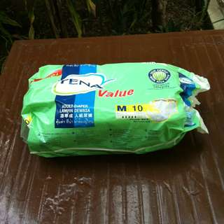 Teva adult diapers. Size M. Open with 6 pieces.