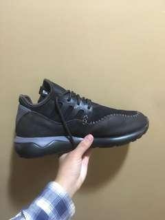 🚚 Adidas tubular 鞋