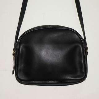 Coach vintage black 黑色皮革側背包 半月包 (二手 美)