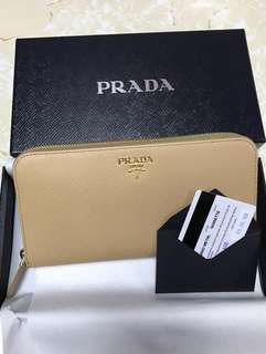 全新 Prada Wallet 長銀包 有一年保用 紙袋 包順豐