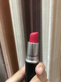 MAC LIPSTICK RETRO MATTE RELENTLESSLY RED