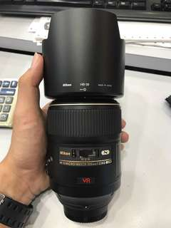 Nikon 105mm F2.8 VR MICRO LENS *NO FUNGUS, BUT HAVE SOME DOT ONT THE FRONT OPTIC*