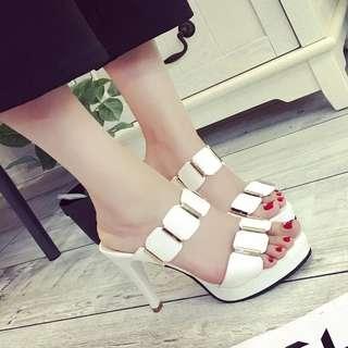 Sepatu high heels 020