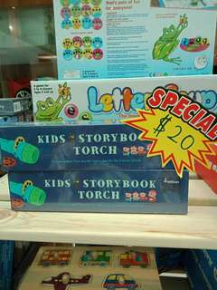 🚚 Kids torch  story book