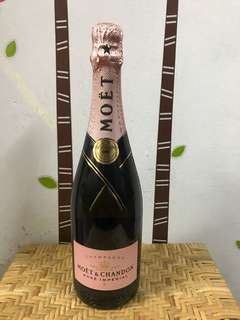 Moet Chandon Rose 750mL