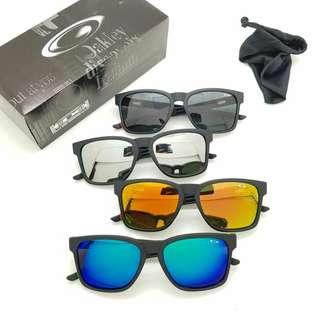 Kacamata oakley catalyst