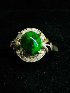 🚚 翡翠辣綠戒指活圍