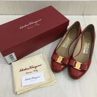 REPRICE FOR FAST DEAL!!! Salvatore Ferragamo Shoes (Vara Pumps) (100% Authentic) (Sepatu Wanita)