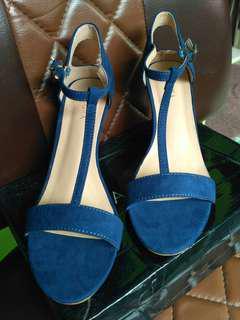 Sandal wanita