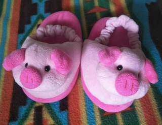 Pig slippers for kids