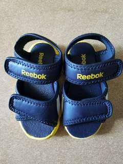 Reebok  bb涼鞋