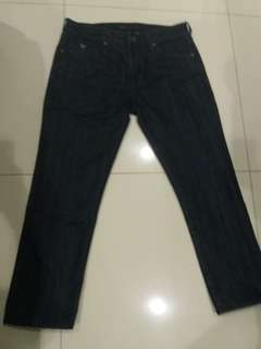 Sale!!!  Jeans Guess pria uk.33