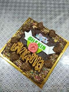 Brownies birthday cake budget