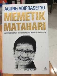 """Buku """"Memetik Matahari"""""""