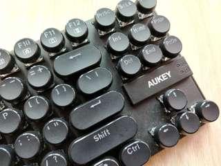 Aukey KM-G11 mechanical keyboard, blue switch