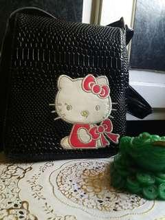 HELLO KITTY SLING BAG