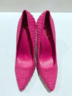 🚚 歐美優雅氣質卯釘高跟尖頭鞋