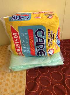 2 Pieces Underpad and 7 Pieces Adult Diapers