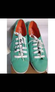 KEDS LIGHT GREEN SNEAKERS SIZE 8.5